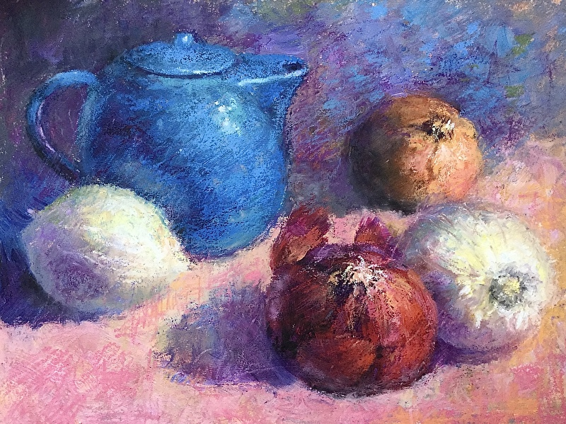StIll life with a blue pot and onions